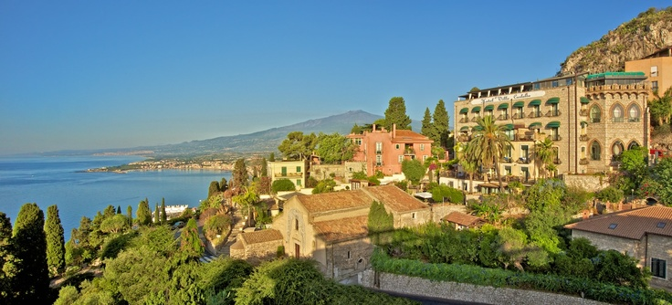 Taormina hotel Villa Carlotta with Giardini Naxos and
