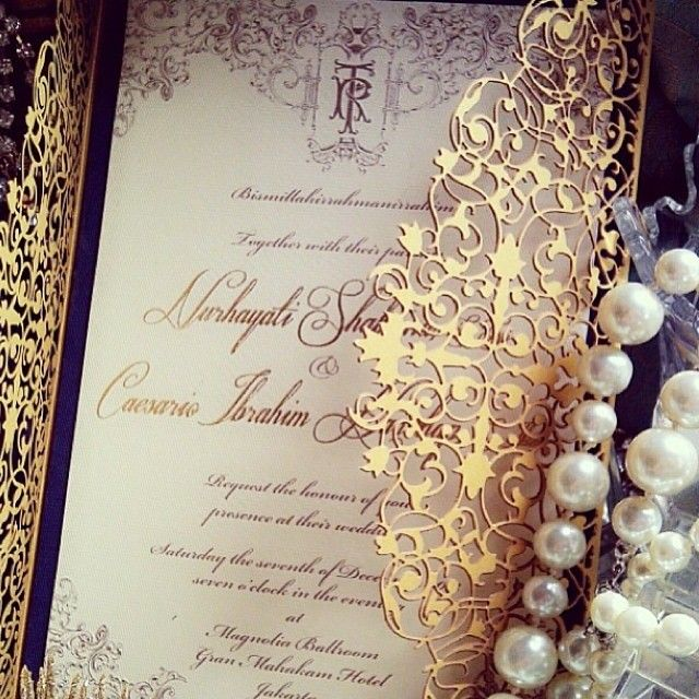 Gold laser cut invitation, super pretty yet edgy! #regram from @tishashabrina and thank you @danyaragnala for tagging us❤️