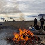 Last night we celebrated Midsummer on the beach Thanks to svalbardseilforening and unisvalbard students for the bonfire and barbeque Photo etjenssen Longyearbyen Svalbard midsummer Arctic visitnorway visitsvalbard