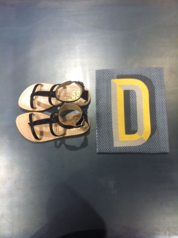 DOUUOD&shoes&details Customized t shirt with your letter Leather sandals