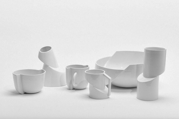 Minimalist Ceramics Focused on Deconstruction