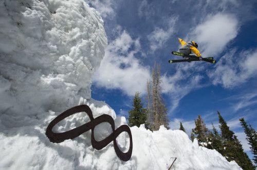 Canyons Resort UTAH skier gets some air! #skitravel #skiusa #ski Utah #amped4ski #skipow #snowboarding