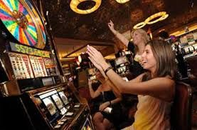 There are literally thousands of different pokie games that you can play online. This is the fastest growing segment of online gambling. Online pokies is an amazing and interestting game to play. #onlinepokies http://onlinepokie.co/