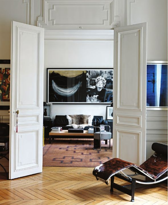 french accents.....at home with Parisian objects and details #livingroomdecoratingideas  #livingroomfurniture #interiordesign #luxuryhomes