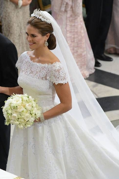 Princess Madeleine of Sweden got her Christopher O'Neill in a wonderful weddingdress from Valentino!