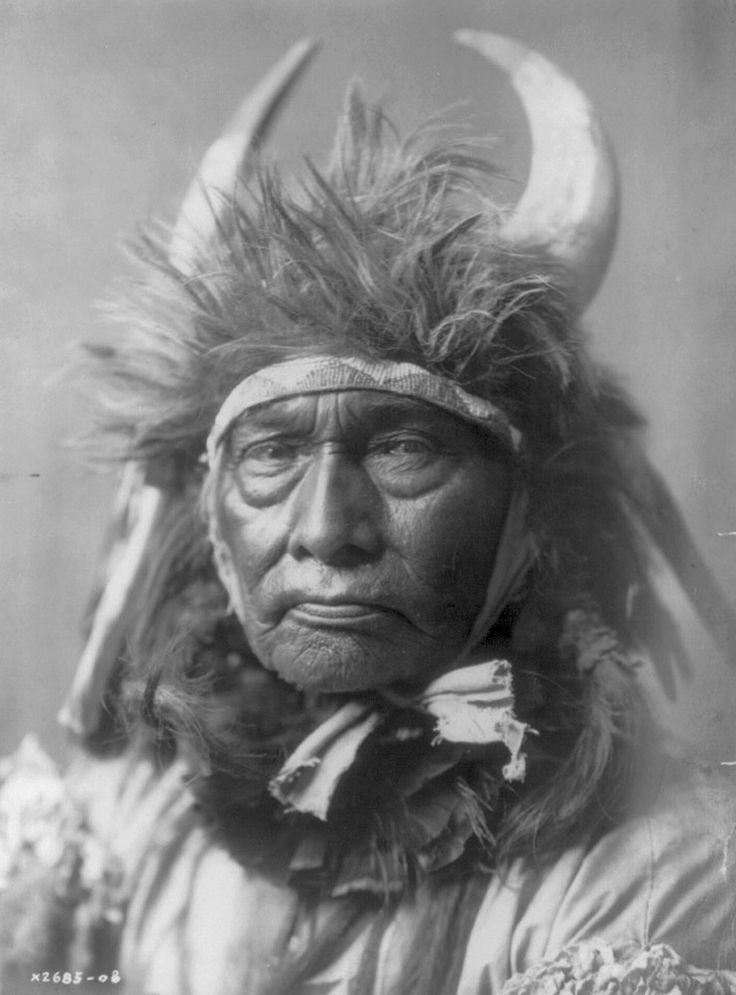 Edward S. Curtis, Bull Chief, 1908