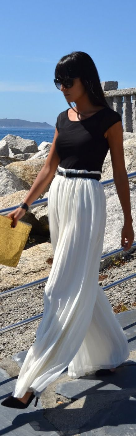 Wide leg trouser + maxi dress = the perfect thing for touring the Caribbean!