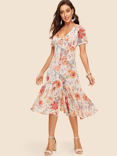 d4c54b46913 Covered Button Through Ruffle Hem Floral Dress vintage  vintagefashion   musthavefashion  inspiration