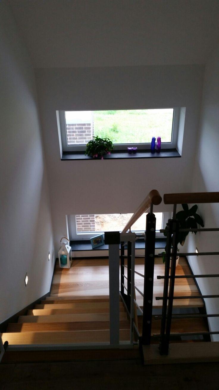 Treppe Stahlwange antrazit . Stufen esche – #above…