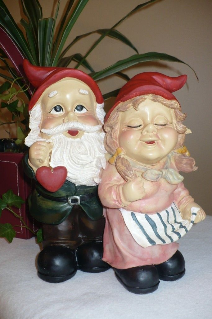 9 5 In Garden Gnome Couple In Love Garden Resin Figurine Statue Valentine |  EBay