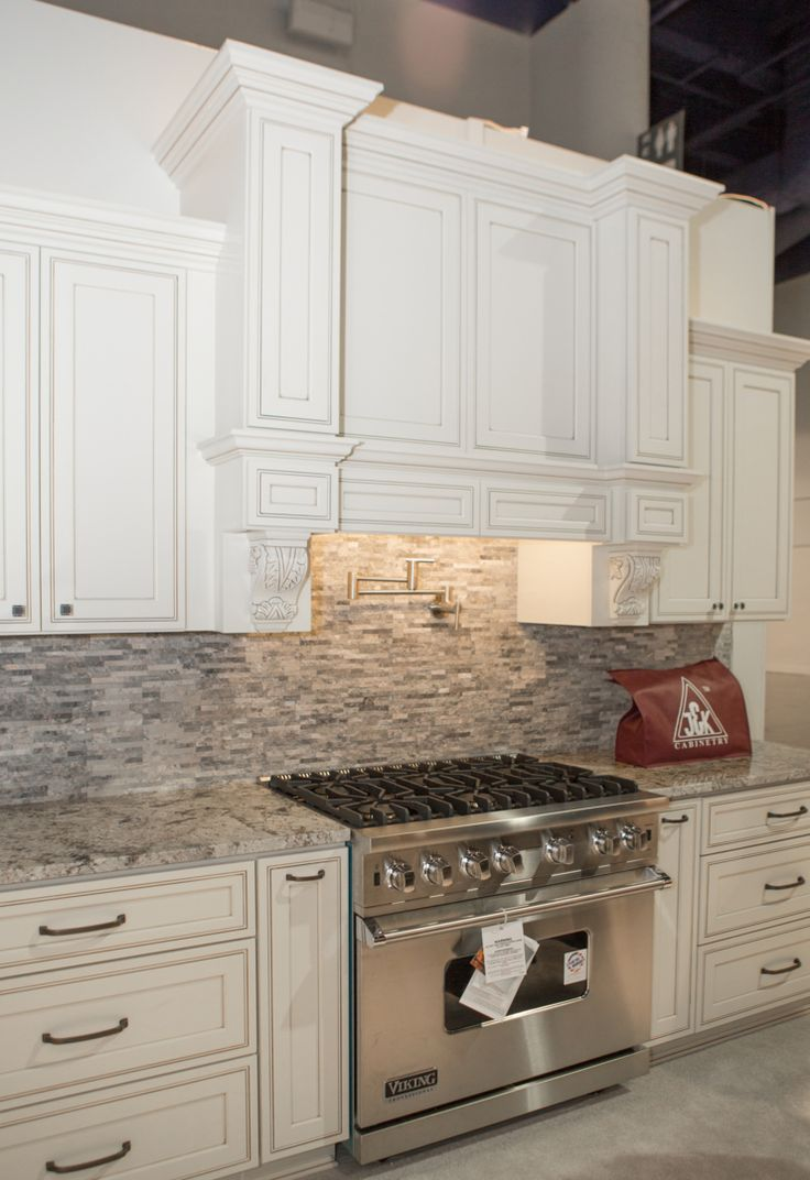 15 best Pearl Maple Glazed Cabinets images on Pinterest | Kitchen ...