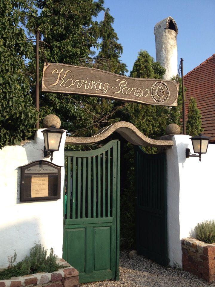 Kővirág Panzió és étterem itt: Köveskál, Veszprém megye