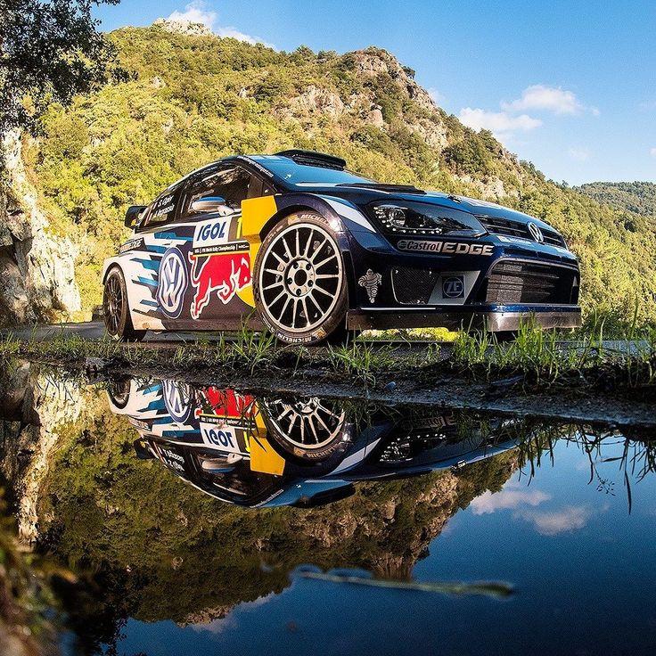 Volkswagen Polo R WRC 2016 O francês Sébastien Ogier venceu o Rally da Córsega 10ª etapa do Campeonato Mundial de Rally - WRC. Ogier agora está muito perto do quarto título: faltam apenas 16 pontos. O belga Thierry Neuville (Hyundai New Generation i20 WRC) foi o segundo seguido do norueguês Andreas Mikkelsen (Volkswagen Polo R WRC) no @tourdecorse do @officialwrc. A próxima etapa será o Rally da Catalunya na Espanha entre 13 e 16 de outubro.  #CarroEsporteClube #Volkswagen #Polo #WRC Foto…