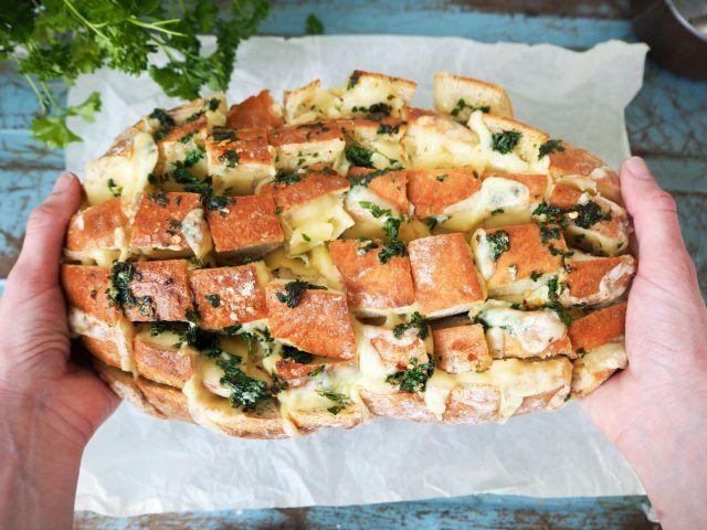 Crack bread med ost & vitlök