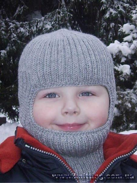 Вязаная шапка шлем для мальчика