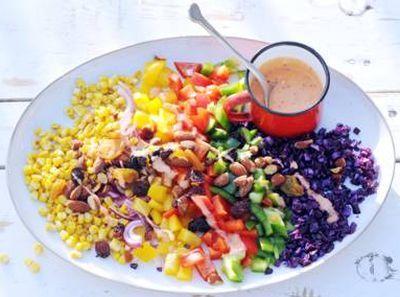 Regenboogsalade gezond, lekker en kleurrijk
