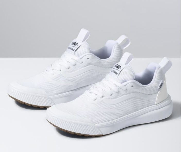 White golf shoes