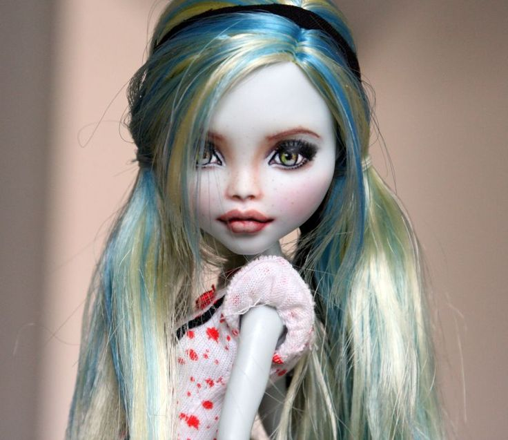 Lagoona Blue Repaint by nancyscatwalk007 on DeviantArt