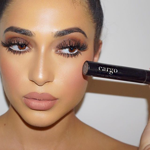 The best mascara i've come across in a long time is by luxury make-up brand @cargocosmetics it gives bottom lashes the effect of false individuals! Thank you to another amazing sponsor for the 5 Day Pro Course - Student Gift Bag  Beauty PR @tin_tina83 #makeupbyme #lillylashes #CARGOcosmetics #ginabadhen
