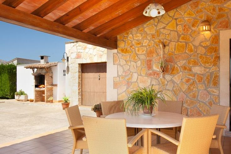 Villa Magraner Catalina is ideally located in a tranquil country setting midway between Pollensa and Puerto Pollensa.<br /> <br /> This stone clad traditional Mallorcan villa enjoys splendid views to the monastery on the Puig de Maria mountain of Pollensa and the mountains of the Serra de Tramuntana behind.<br /> <br /> Inside this one storey villa there are two twin bedrooms and one double bedroom all with air conditioning, one full bathroom, and an ample and traditionally decorated…