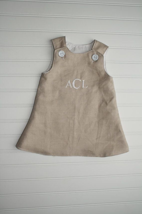 Monogrammed Linen Baby or Toddler Dress van SodaCitySewing op Etsy || pin maudjesstyling