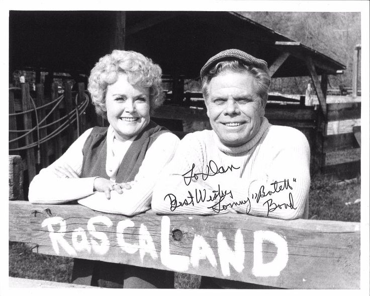 "OUR GANG Darla Hood & Tommy Bond 8x10 INSCRIBED BY TOMMY BOND at ""Rascaland"""