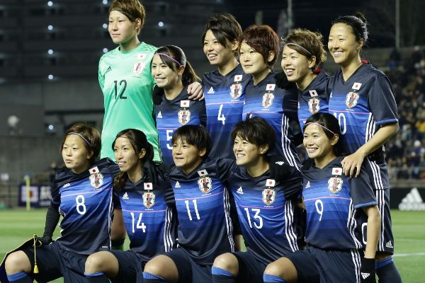 日本女子サッカー日本代表なでしこJAPANが韓国代表に引き分けたことでリオ五輪への自力出場が消滅しました。そんな中、TVを見ていてふと思ったことがあります。「・・・何か違和感を感じる。」女子サッカーを見ていると突然現れるこの不思議な感覚。サッカーをやったことのない人にはわからないかもしれない男子サッカー経験者が見る女子サッカーを見る目について書いていきます。