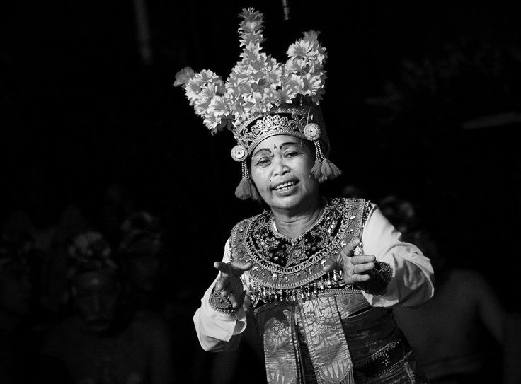 A person who act in the Bali Drama