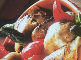 Μπουτάκια κοτόπουλο με σάλτσα μουστάρδας στη γάστρα (2 μονάδες)