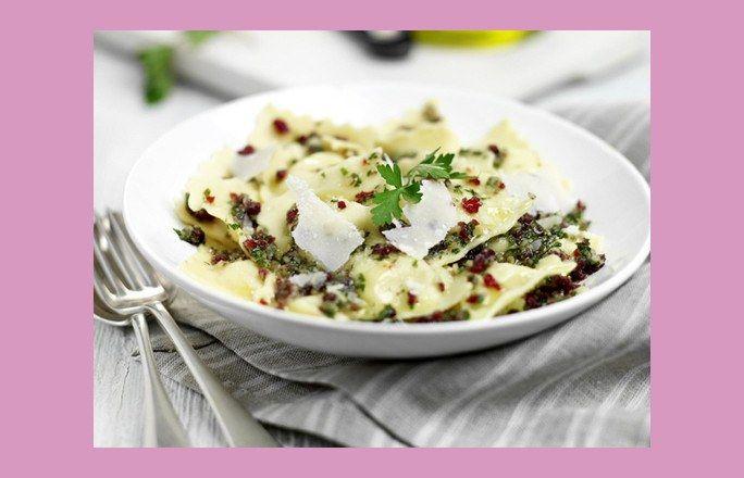 Dietetyczne obiady - ŁATWE przepisy do 300 KCAL - Nie macie pomysłów na dietetyczne obiady? Głowa do góry! Proponujemy 5 łatwych i pysznych przepisów, dzięki którym wyczarujecie niskokaloryczne dania obiadowe w krótkim czasie...