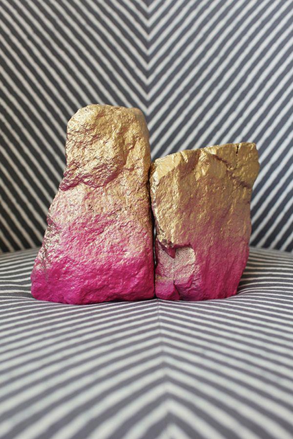 Spray painted rock bookends: DIY