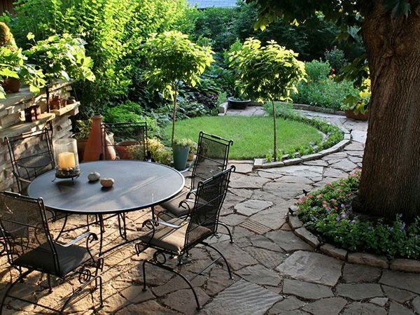 Low Maintenance Front Yard Landscaping | ... with the oval shaped green garden in this pretty landscape picture