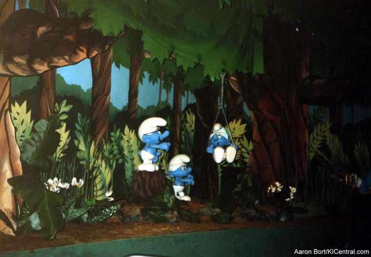 Kings Island Central History Photo Gallery - Flat Rides/Smurfs Enchanted Voyage