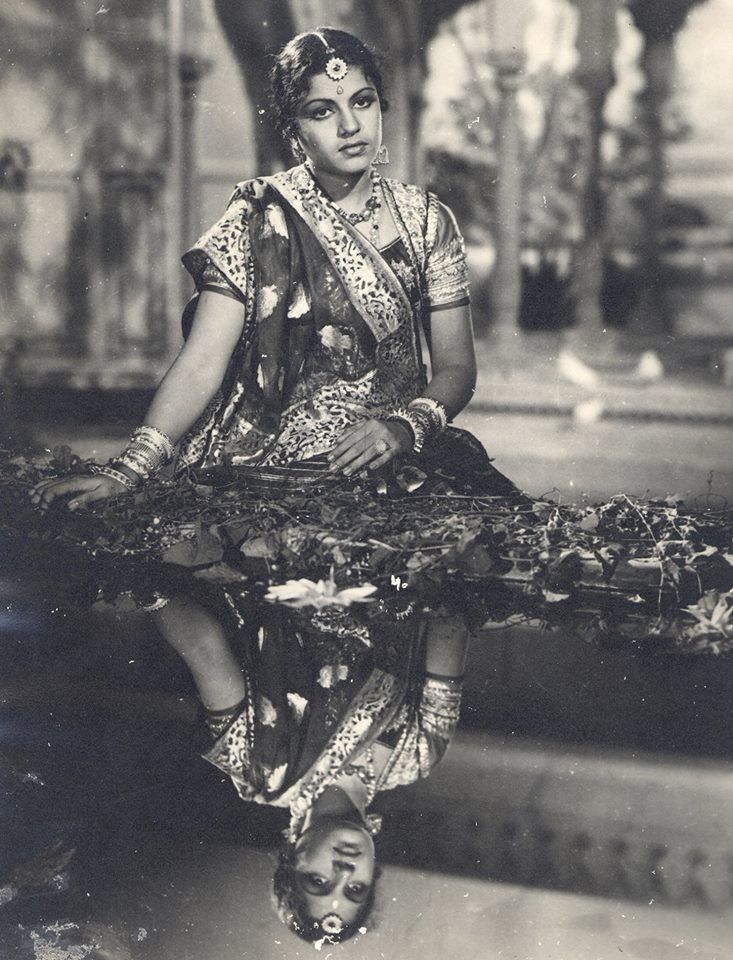 A beautiful still of MS Subbulakshmi from Ellis R Dungan's Meera (1945)!