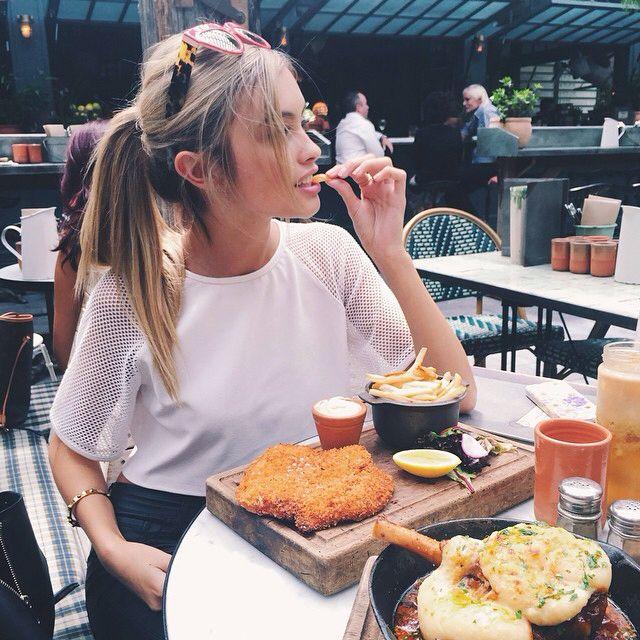 """Képtalálat a következőre: """"tumblr girl eat"""""""