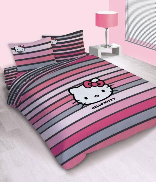 Mmm si decoro ací mi cama creo que sería causal de divorcio jeje - Hello Kitty striped bedding