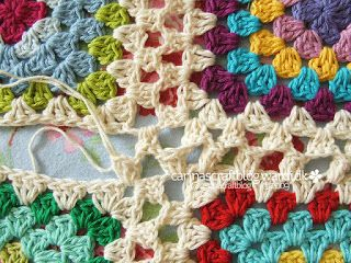 Granny Join - from http://www.knotyournanascrochet.com/2013/04/10-different-ways-to-join-granny-squares.html