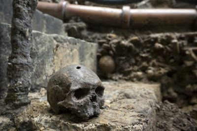 Medieval burial ground found at Westminster Abbey.  he bones of men who may have witnessed the tumultuous events of 1066 in Westminster Abbey, when one king was buried and two were crowned in a year, have been discovered along with the skeleton of a three-year-old child buried under Victorian drainage pipes just outside the wall of Poet's Corner. Remains of over 50 individuals discovered during construction work  at Westminster Abbey [Credit: Dan Kitwood/Getty Images]