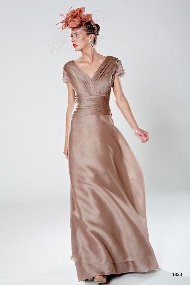 Vestido de fiesta largo Patricia Avendaño modelo 1823 by Patricia Avendaño | Boutique Clara. Tu tienda de vestidos de fiesta.