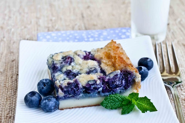 Custard mochi with blueberries | Food Ideas | Pinterest