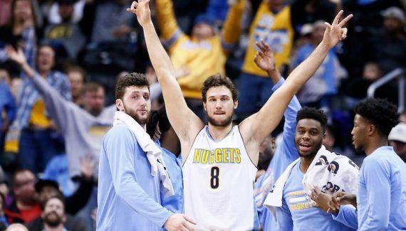 Pourquoi Denver va jouer son match le plus important de l'année -  Même si beaucoup auront ce soir les yeux braqués sur l'affiche entre Rockets et Warriors, lematch le plus important de la soirée aura lieu à Portland où les Blazers accueillent… Lire la suite»  http://www.basketusa.com/wp-content/uploads/2017/03/gallo-nuggets-570x325.jpg - Par http://www.78682homes.com/pourquoi-denver-va-jouer-son-match-le-plus