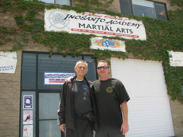 That's me with Sifu Hartsell 3 weeks before he passed away in LA at the Inosanto Academy !