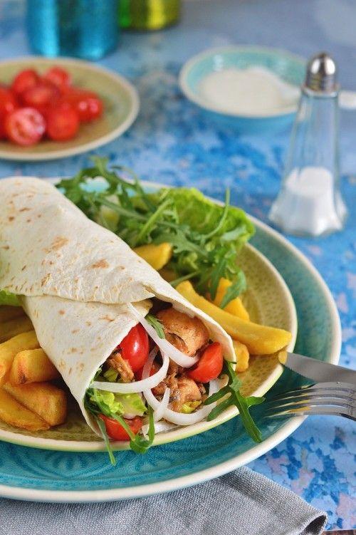 Hagymás-csirkés tortillatekercs recept