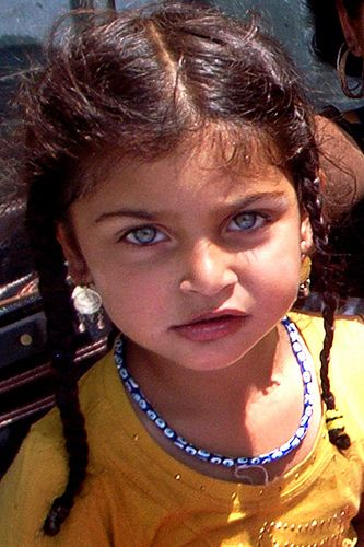 Beautiful gypsy child - her eyes are unforgettable ...