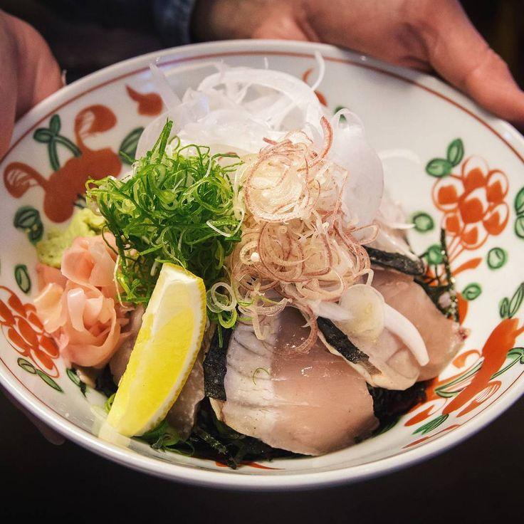 これぞ島の漁師飯!淡路島では今「生さわら丼」が流行中♡ - Locari(ロカリ)