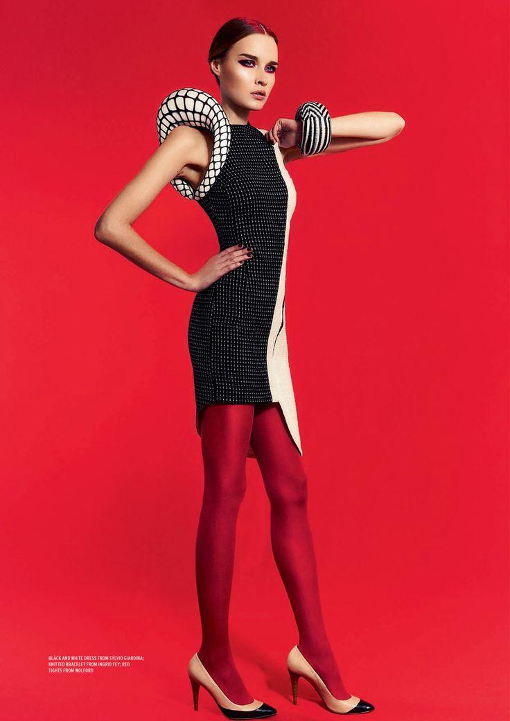Jill LOWE issue 02 - Red Myraid dress by Sylvio Giardina Photography: Kay Smith Styling: Tania Rat Patron Model: Elena TOD@City Models — con Tania Rat-Patron e Kay Smith-Photographer.
