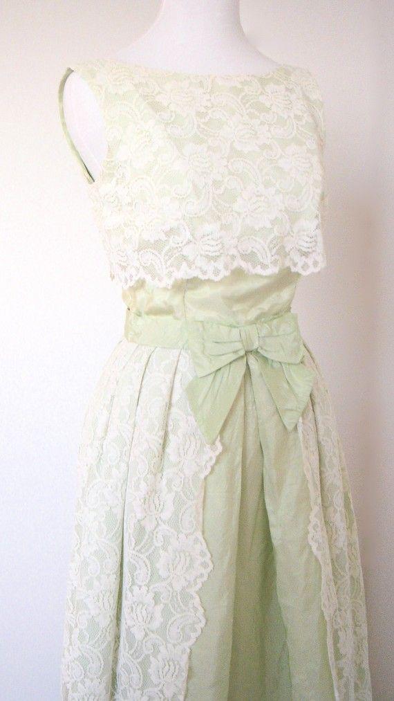 Lace dress #ivory #lace #green