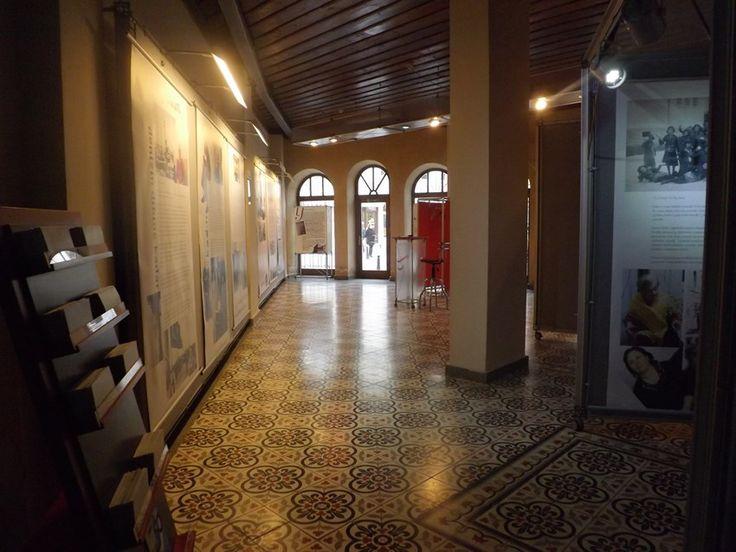 Bir müze ve Çakartaş Karo ürünleri zeminde şık bir tercih olarak kullanılmış...