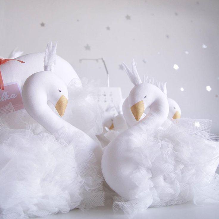 2016 Nuovo Bambino di Modo Corona Swan Dormire Cuscino Decorazione della Stanza Dei Bambini Bambini Animale Bambole Giocattoli Fotografia Puntelli