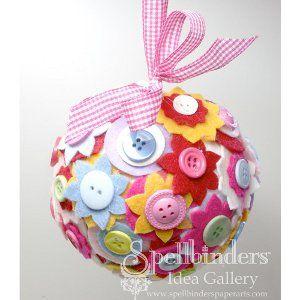 Felt and Button Decorative Ball - Tutorial